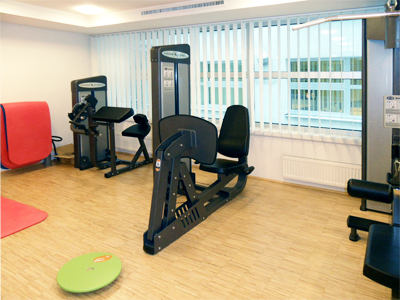 Joint Vienna Institute: Fitnessraum Krafttraining